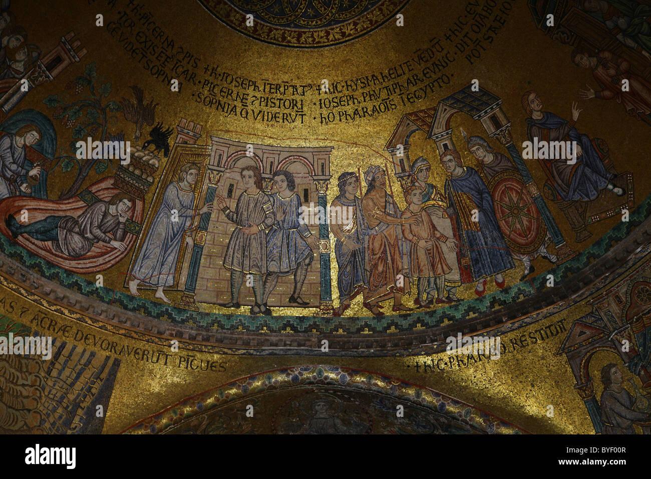 Fresco en el interior de la Catedral Basílica de San Marcos Venecia ...