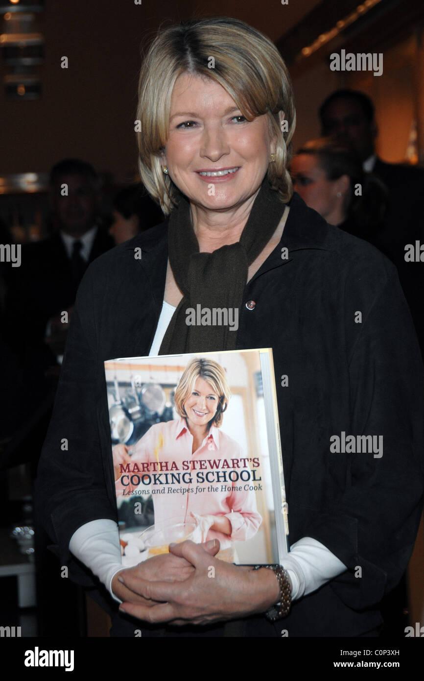 Martha Stewart signos ejemplares de su nuevo libro, \'Martha Stewart ...