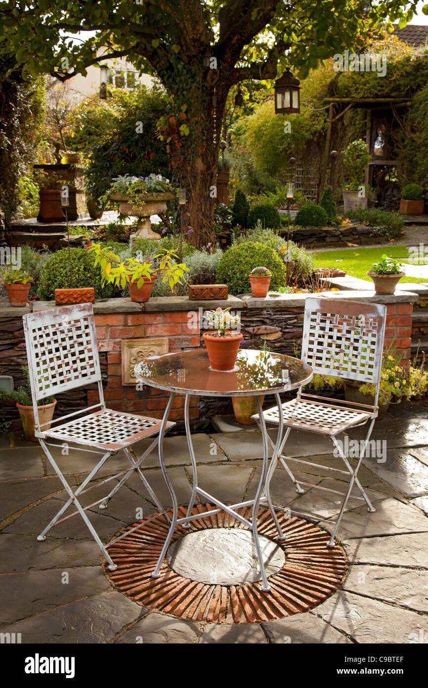 Mesa de jardin de piedra beautiful trendy hermosa mesas for Sillas de patio baratas
