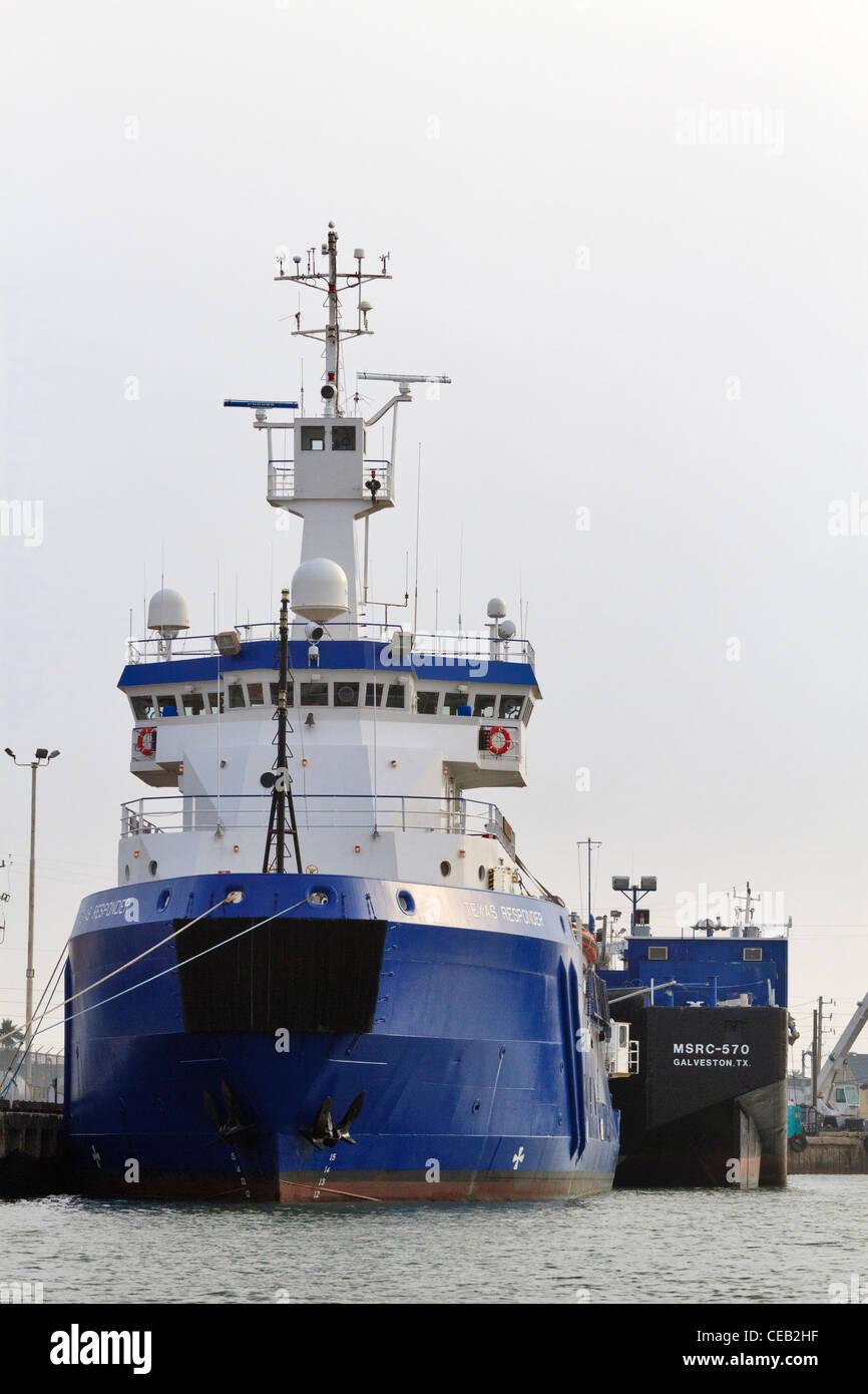 Texas, el control de la contaminación del respondedor buque en el ...