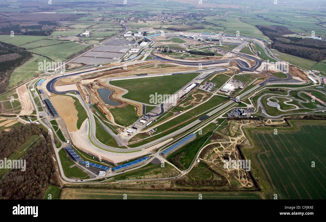 Circuito De Silverstone : Vista aérea del circuito de silverstone en northamptonshire foto