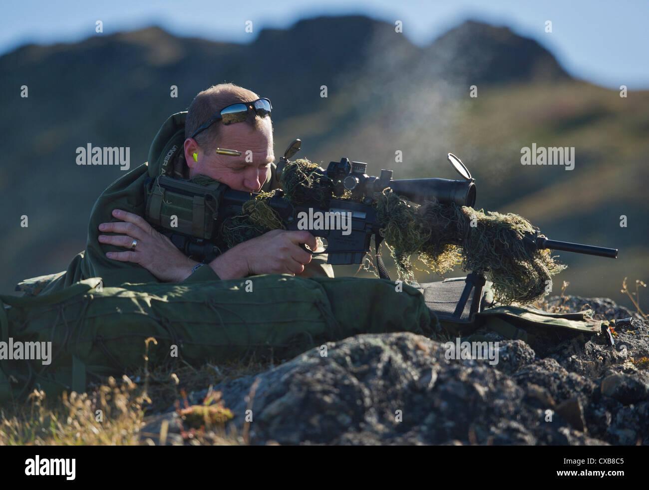 El departamento de policía de Anchorage armas y tácticas especiales ...