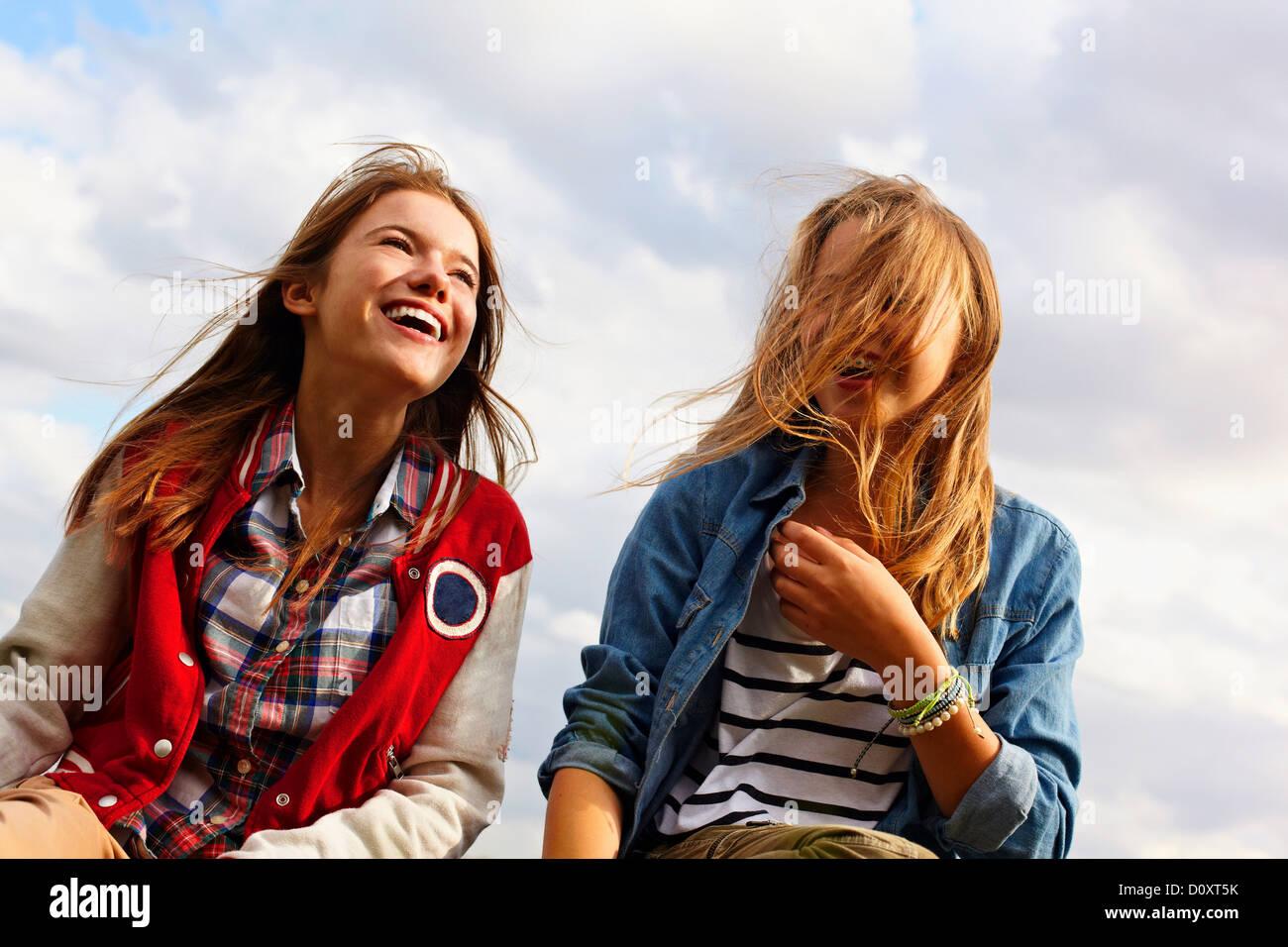 Feliz adolescentes Imagen De Stock