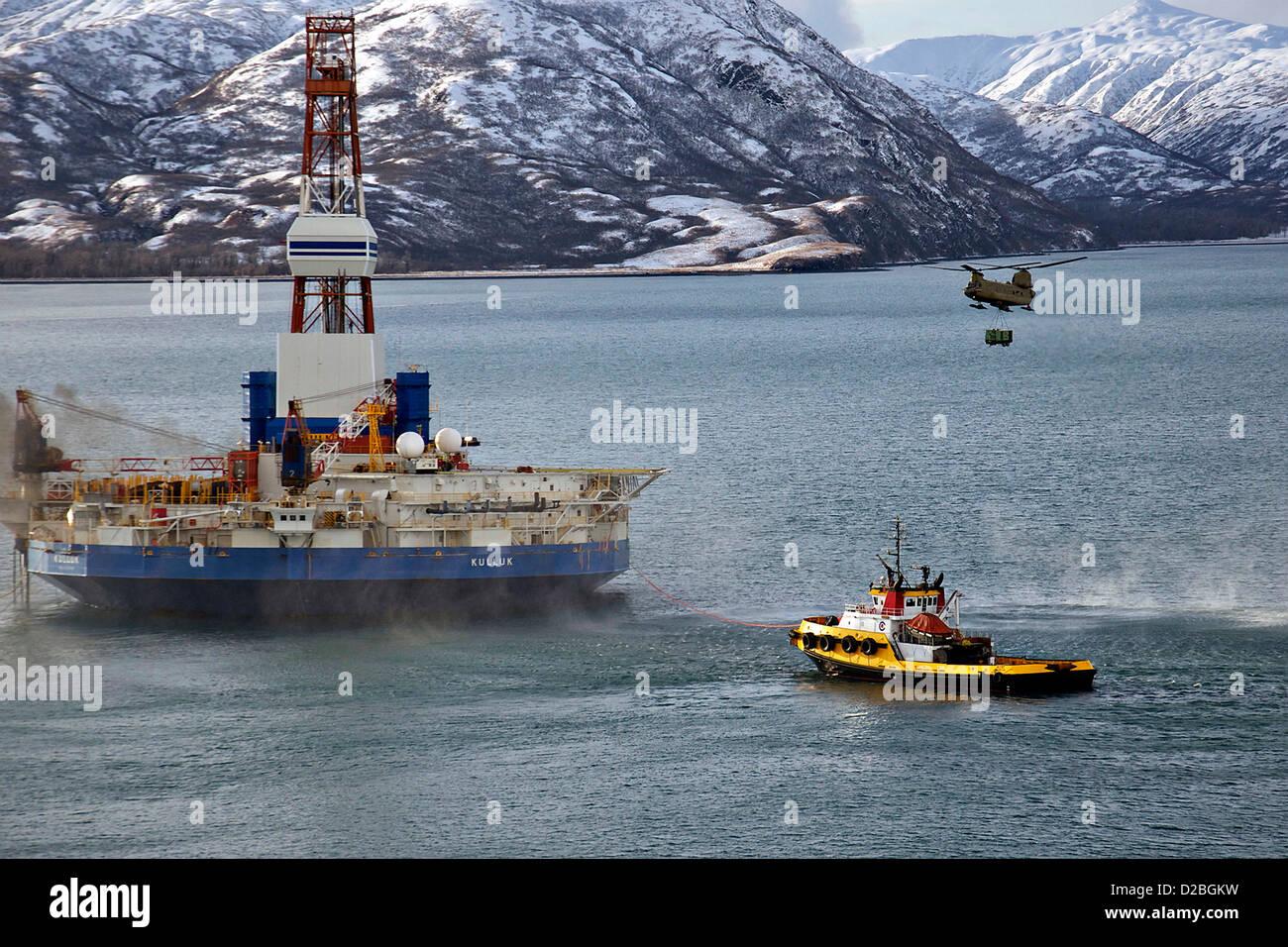El varado de clase ártica de la unidad de perforación Kulluk recibe ...