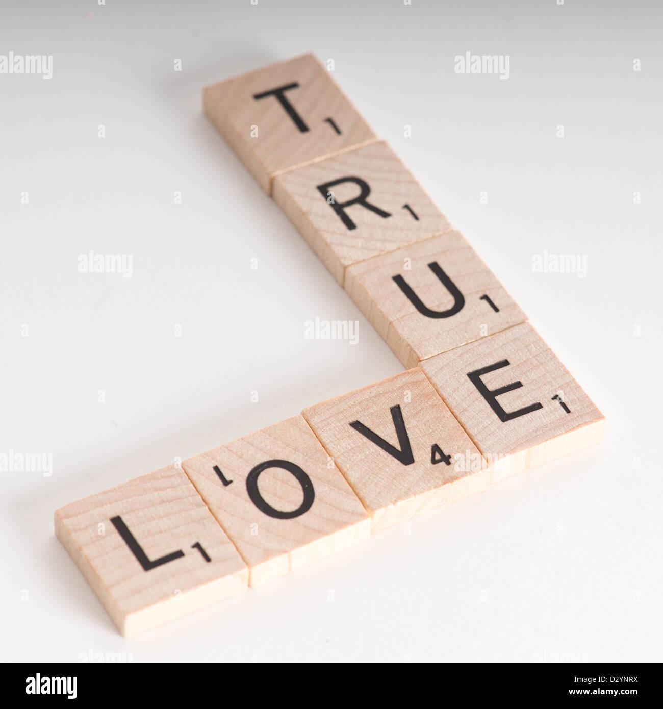 Amor Verdadero Concepto Scrabble De Madera Letras Deletrear La