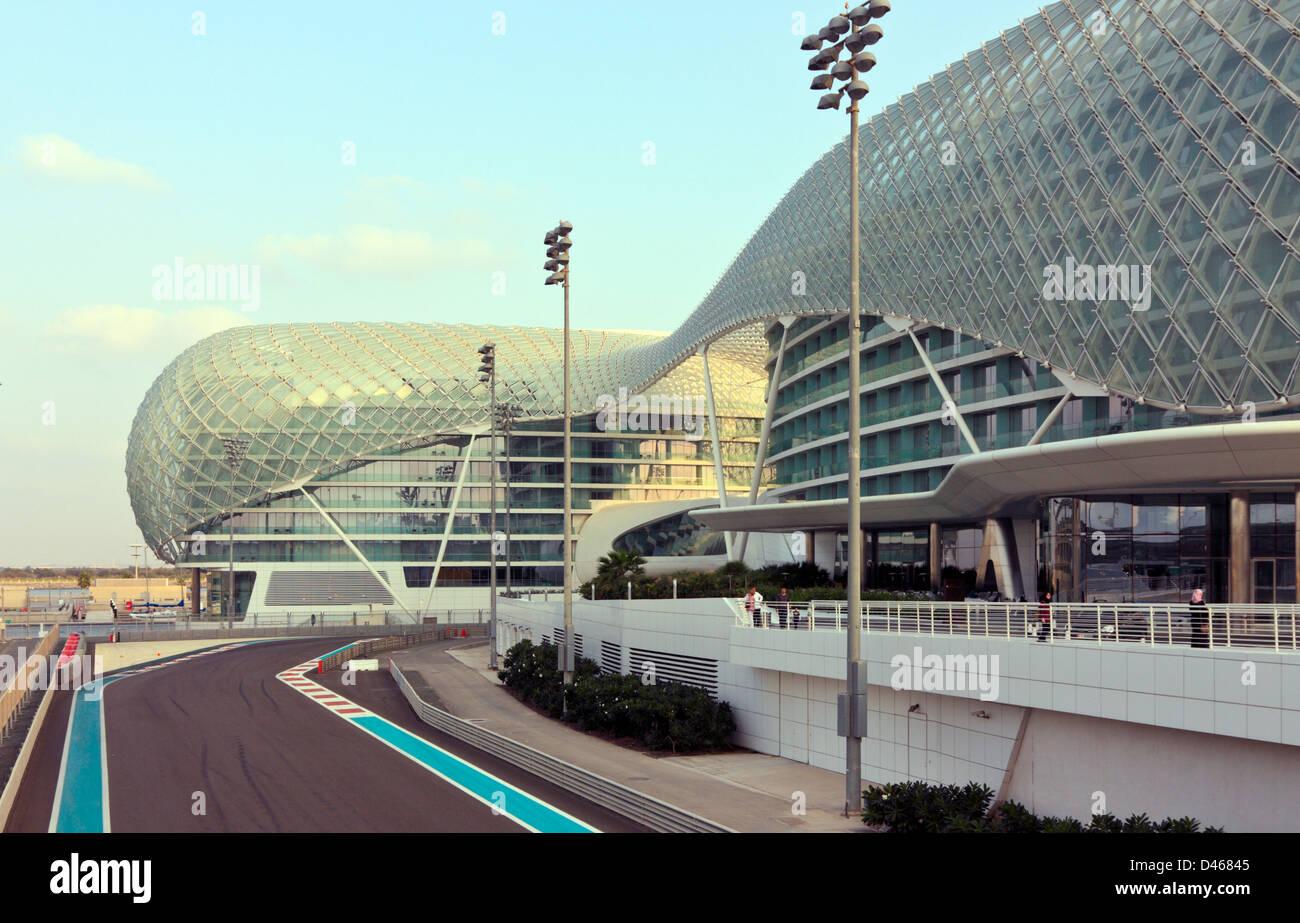 Circuito Yas Marina : Viceroy hotel y la pista de carreras de formula 1 el circuito yas