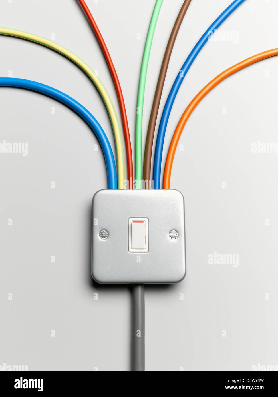 Cables de colores desde el interruptor de luces Imagen De Stock