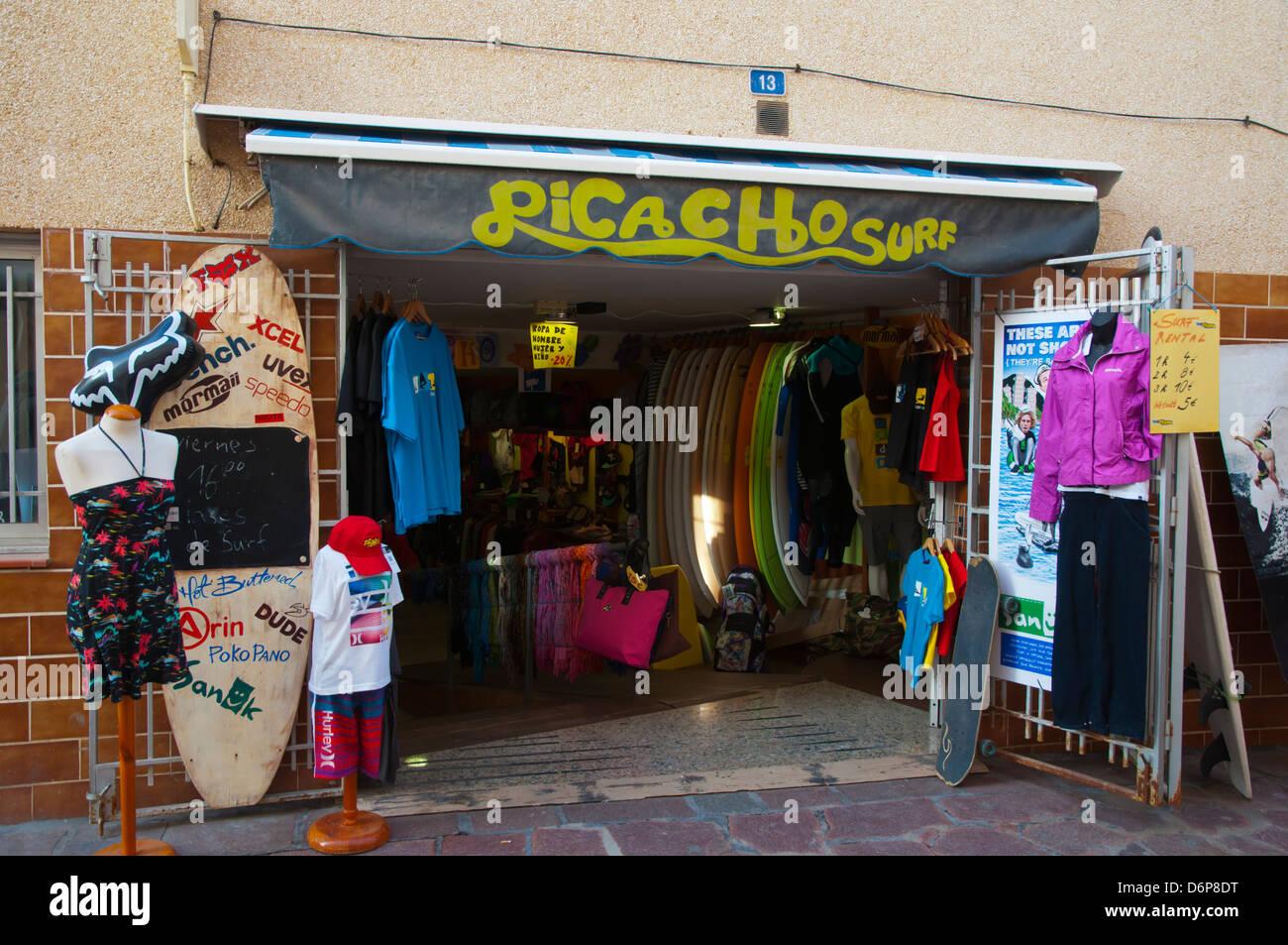 7ee5bcc938499 Ropa y tienda de surf El Medano ciudad isla Tenerife Canarias España Europa