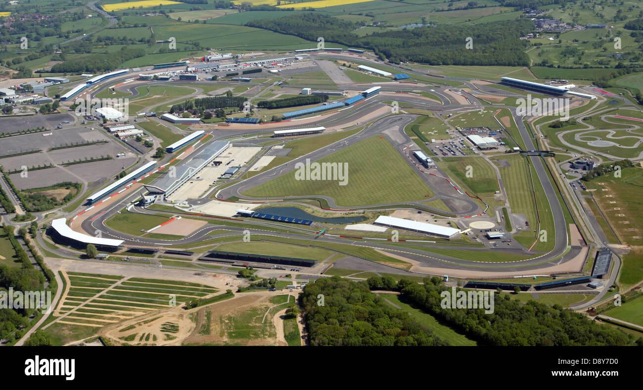 Circuito De Silverstone : Vista aérea del circuito de carreras de fórmula uno de silverstone