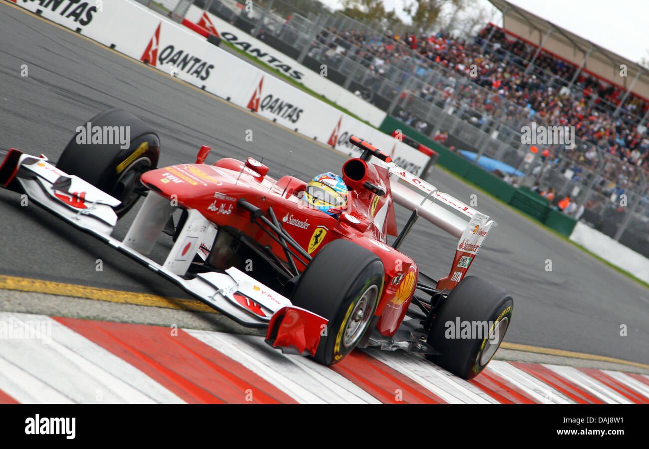 Circuito Fernando Alonso : Spansih conductor fernando alonso de la escudería ferrari acelera en