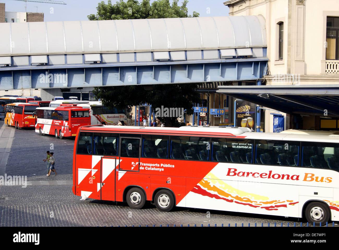 Estació del Nord (estación de autobuses) por Ribes Marco. Barcelona ...