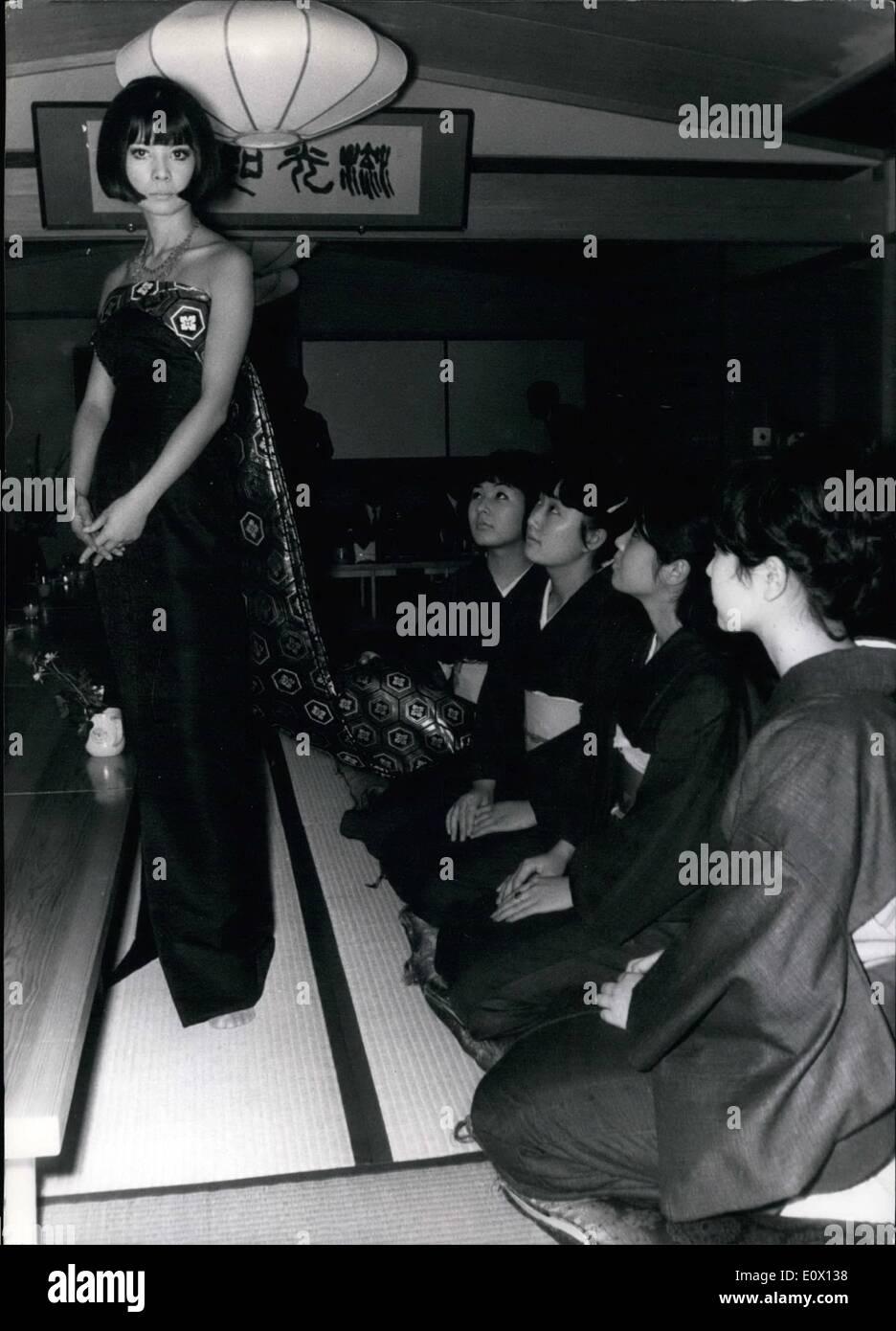 Octubre 10 1964 Japanses Modas Estan En El Tiempo De Los Juegos