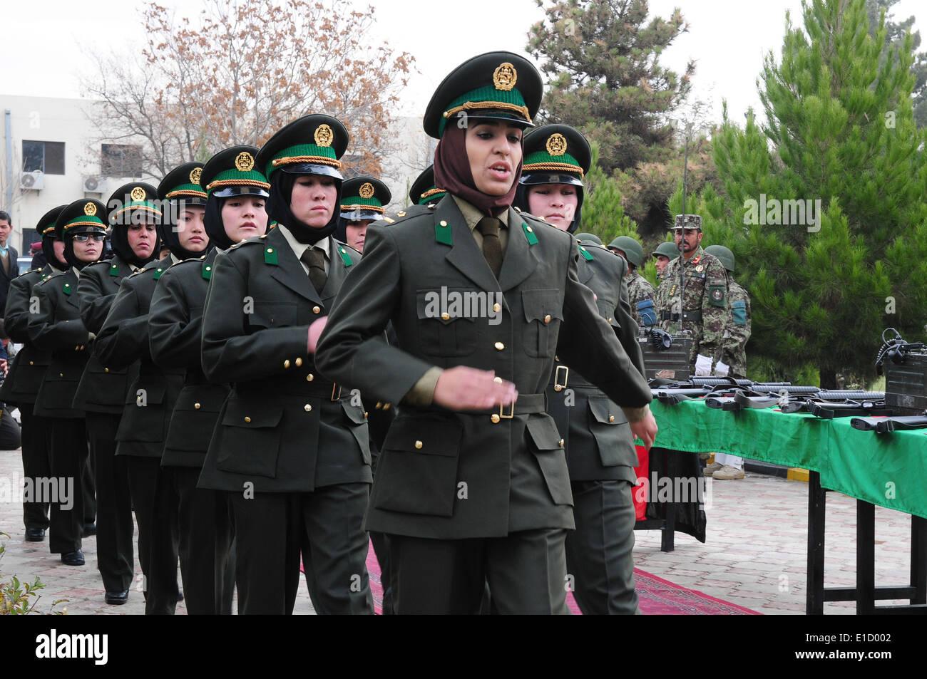 soldados del ejército nacional afgano de la todo hembra de segunda