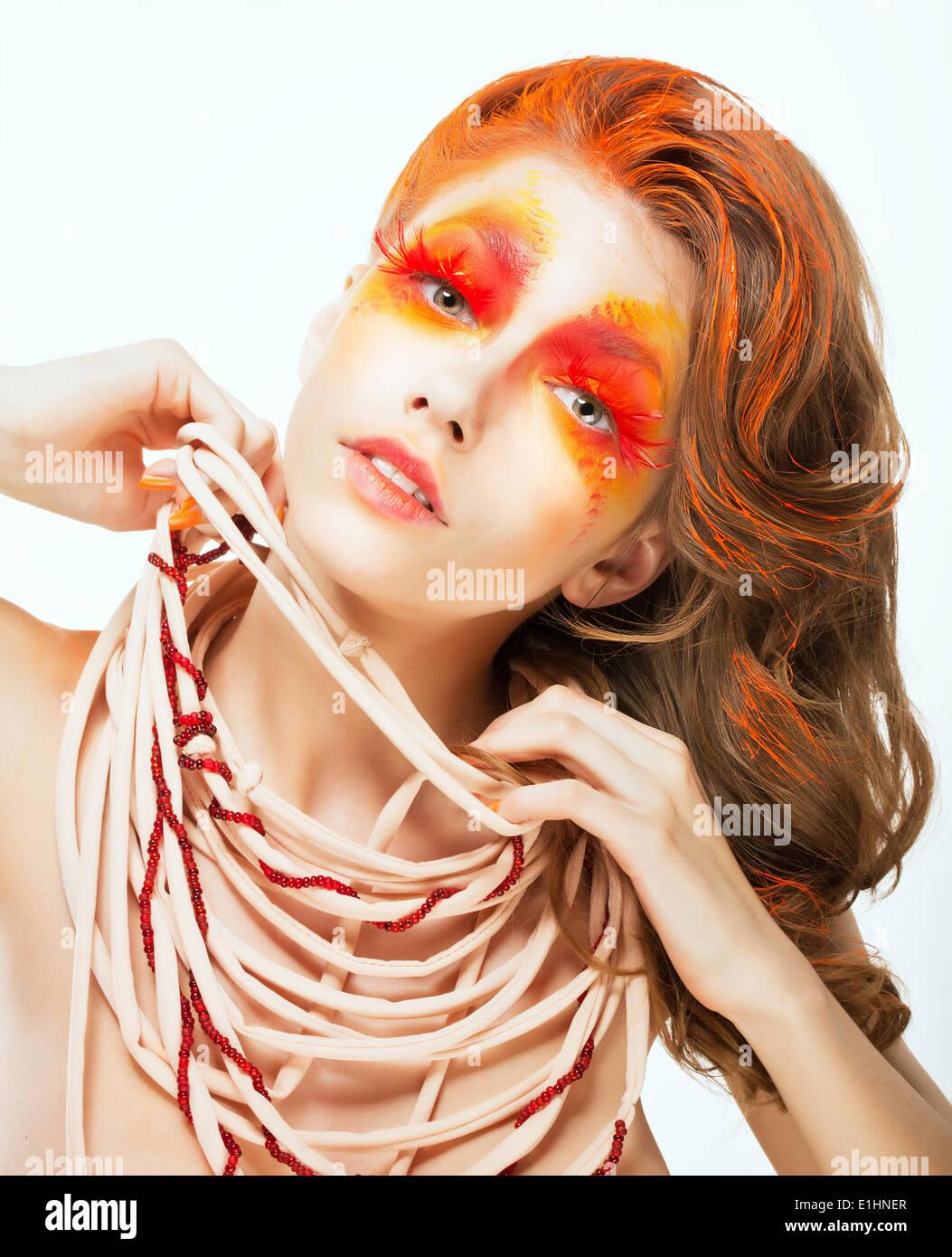 expresi n cara de mujer de pelo rojo brillante art stico el concepto de arte foto imagen de. Black Bedroom Furniture Sets. Home Design Ideas