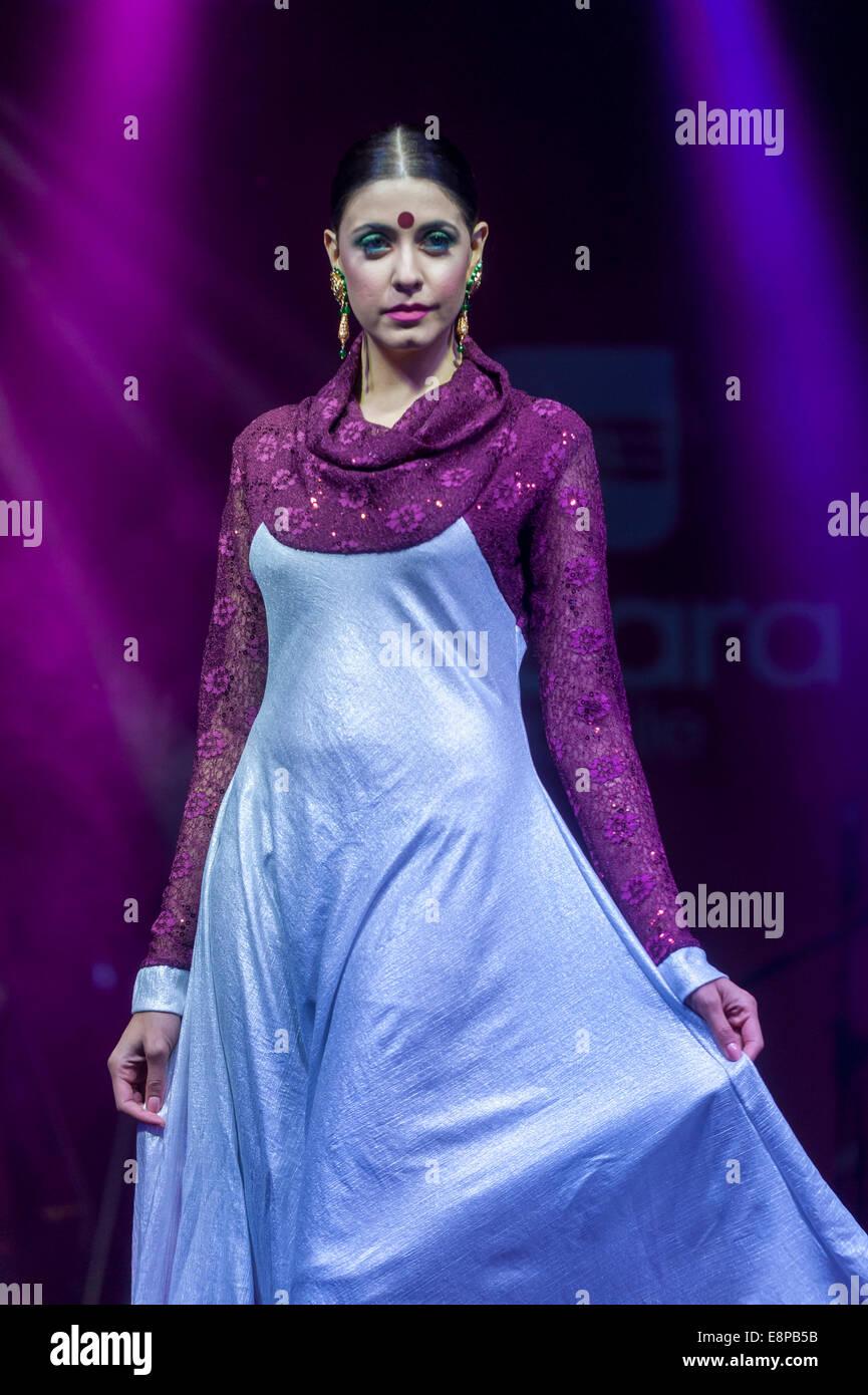 Excelente Elegantes Vestidos De Dama De Reino Unido Cresta - Vestido ...