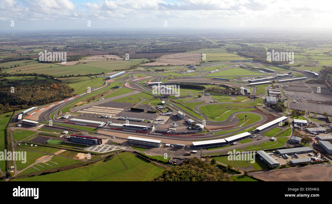Circuito De Silverstone : Vista aérea del circuito de carreras de silverstone en