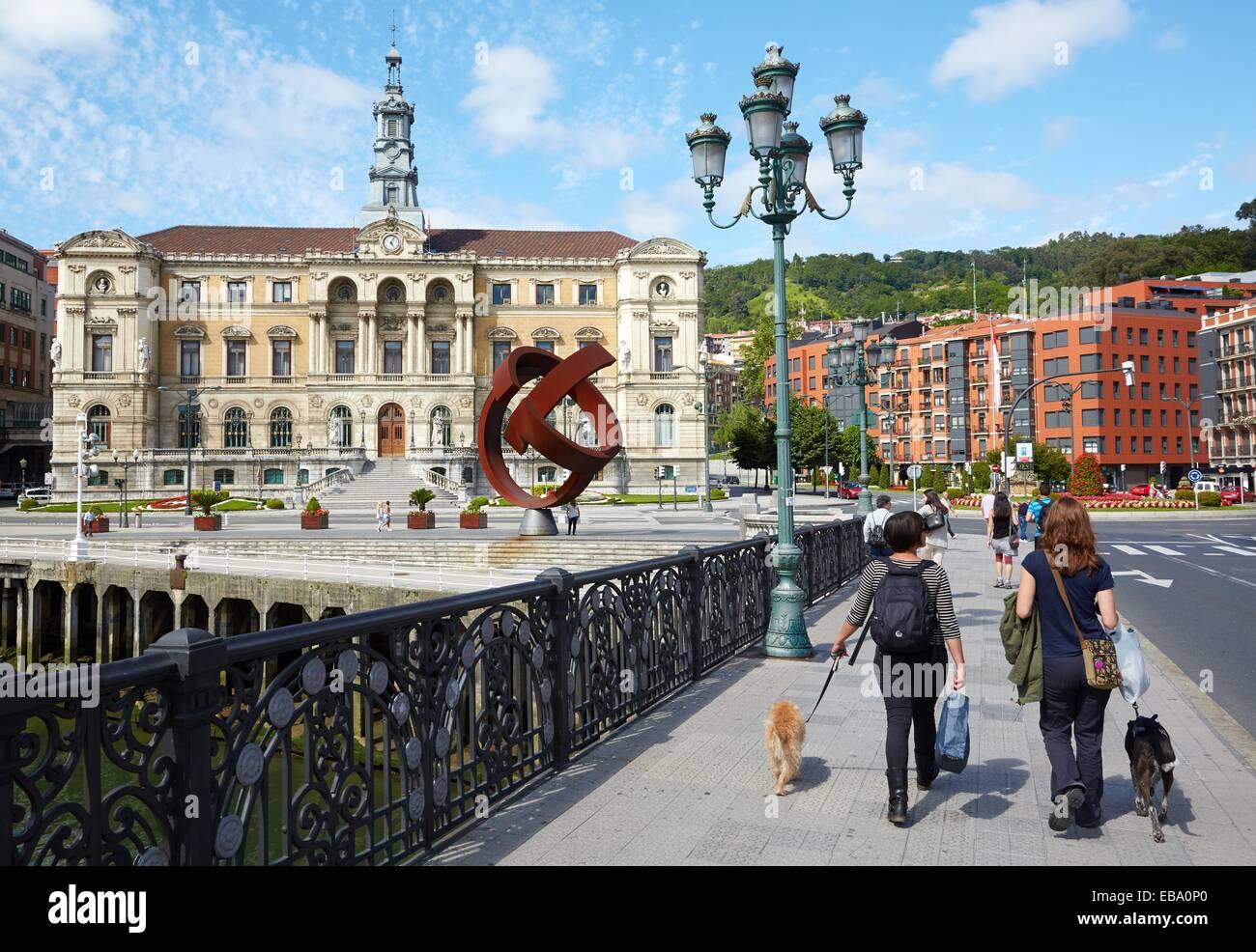 Resumen arquitectura arte animal adulto vista posterior País Vasco ...