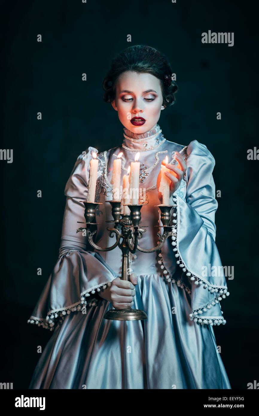 Mujer de vestido victoriano Imagen De Stock
