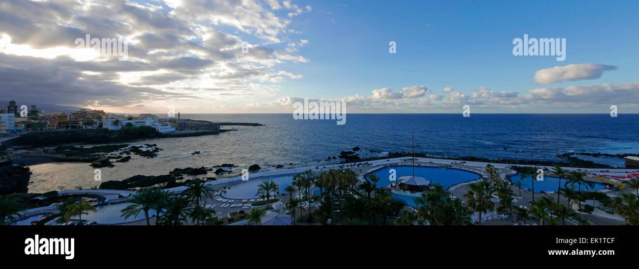 Piscina puerto de la cruz piscinas de agua salada lago martianez en puerto de la cruz tenerife - Piscinas 7 islas ...