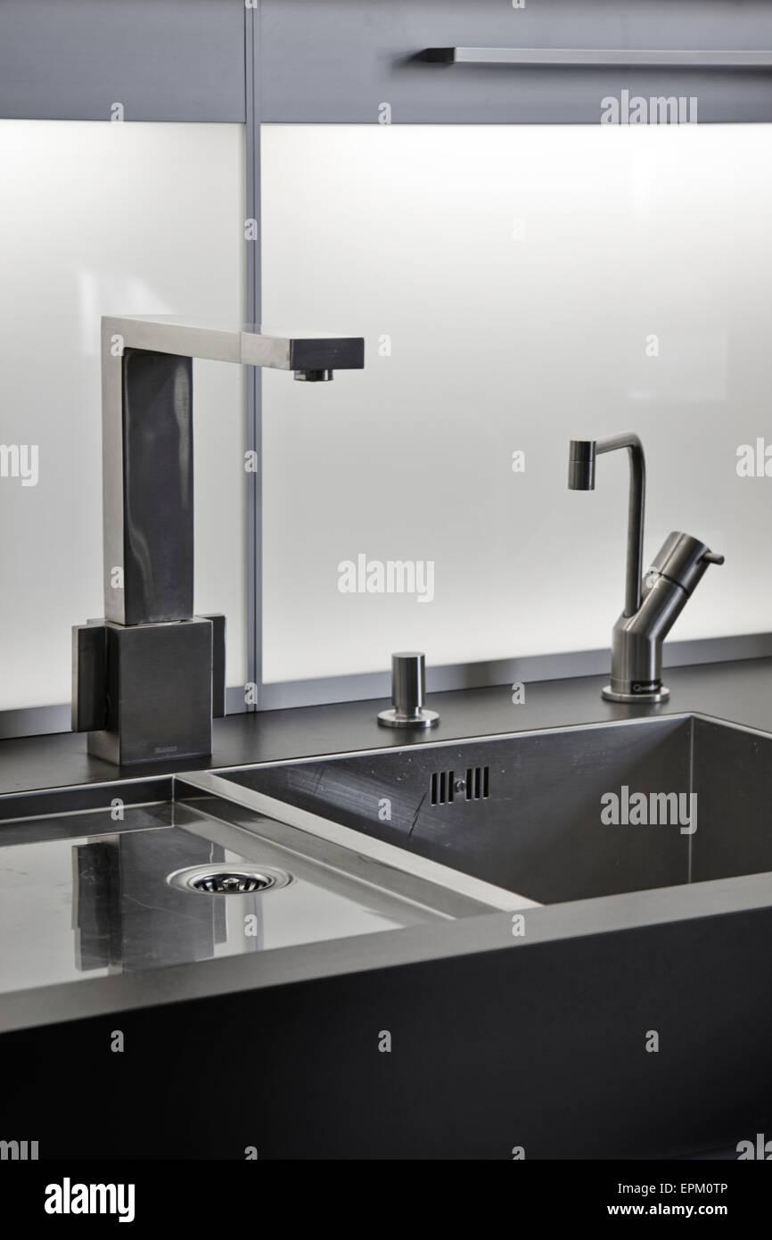 Sink Unit Imágenes De Stock & Sink Unit Fotos De Stock - Alamy