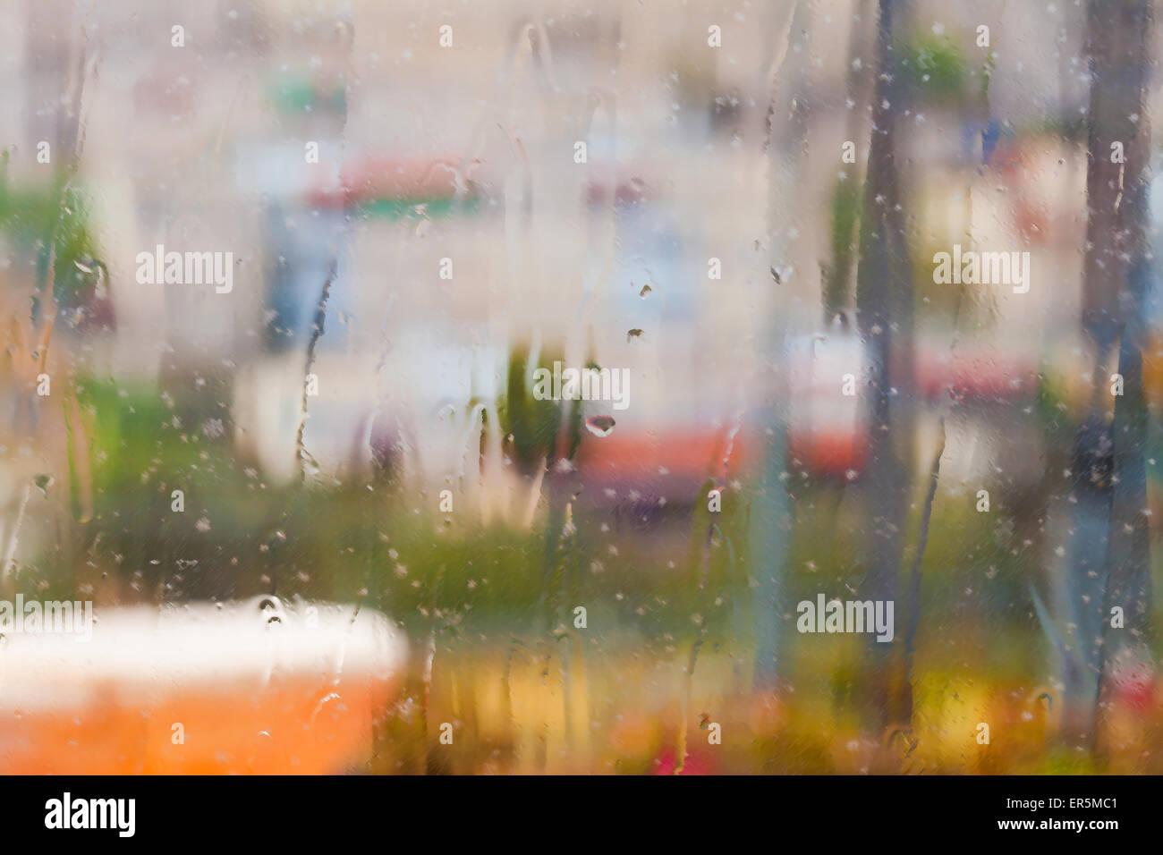 Resumen fondo de textura de ventana lluviosa frente a un paisaje ...