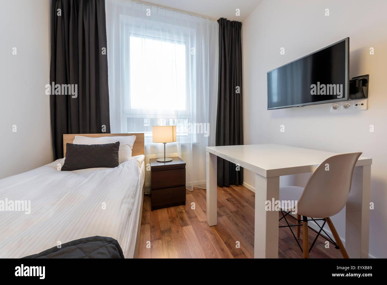 Dormitorio pequeño, moderno diseño de interiores Foto & Imagen De ...