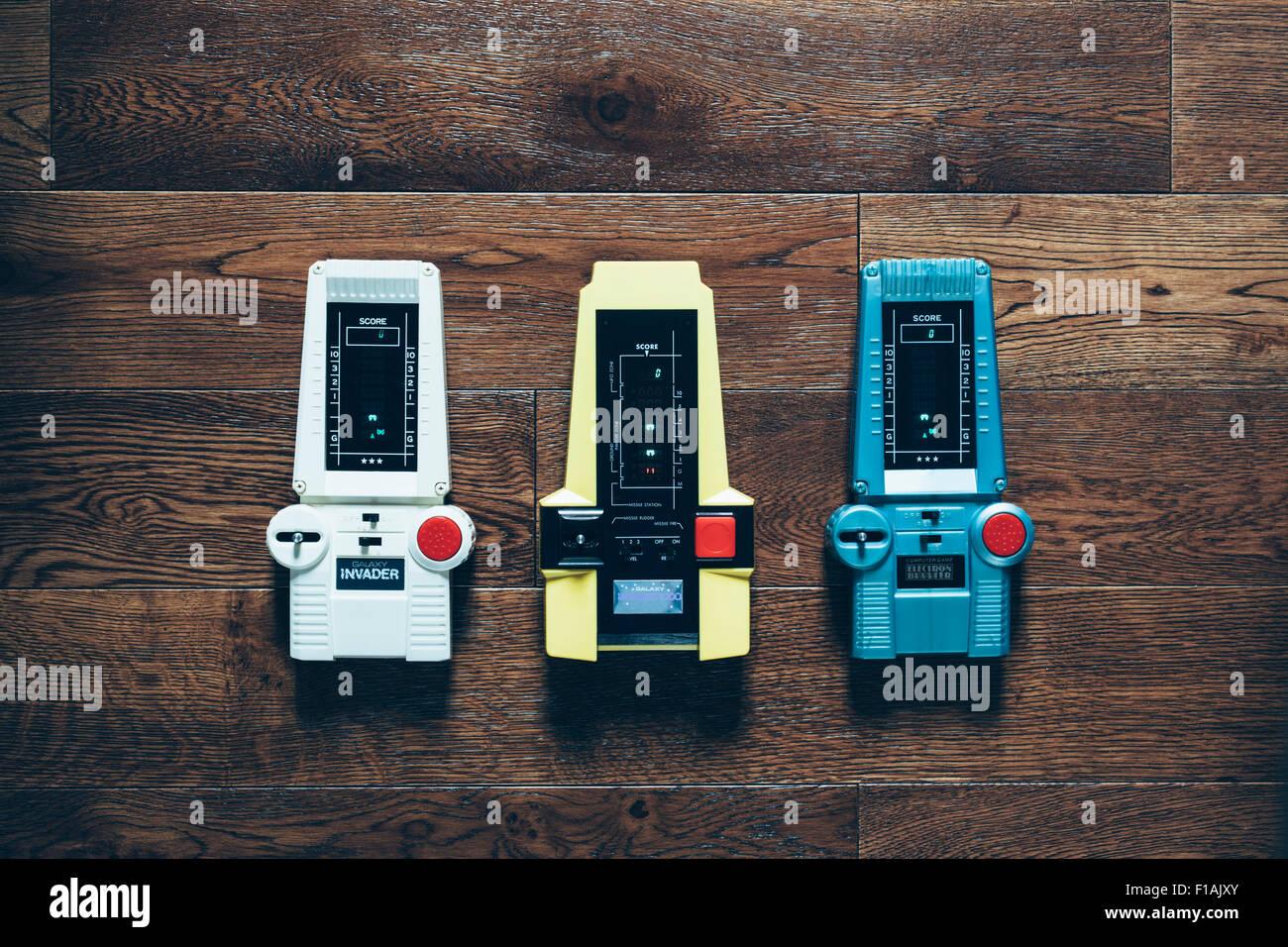 Tres Espacios Electronicos De Mano Vintage Invader Juegos Foto
