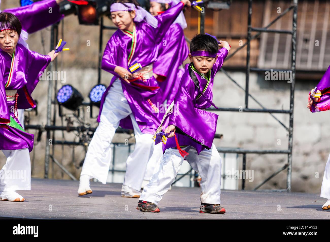 Kumamoto, Japón, festival de danza yosakoi hinokuni. Danza, vestido ...