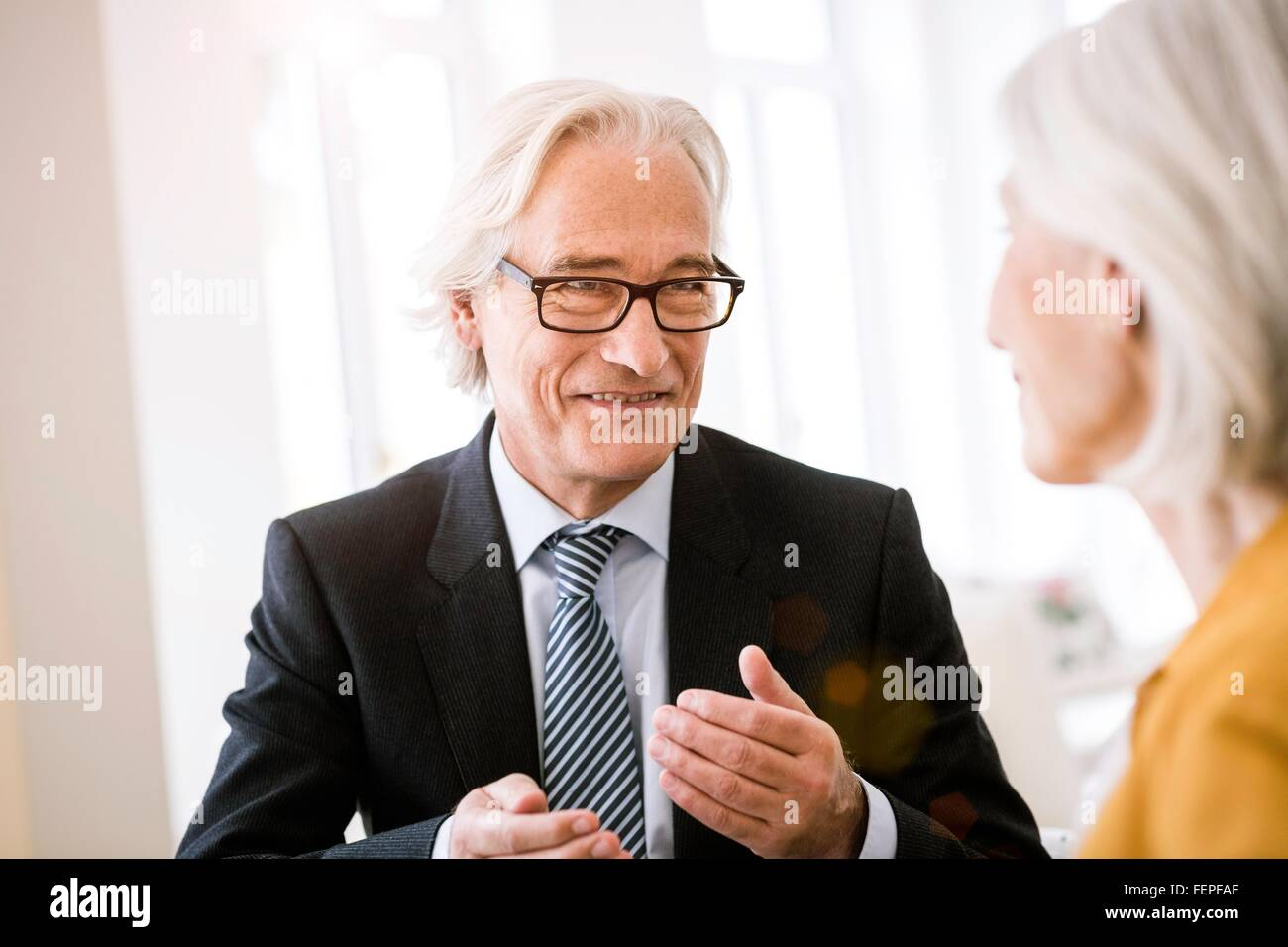 Altos corbata vestido hombre a hablando camisa con y traje chaqueta rxrCqRFI