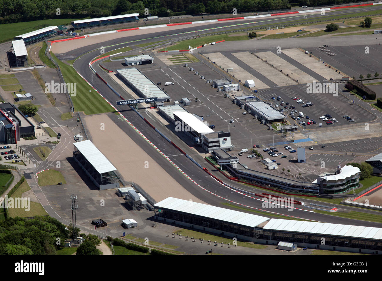 Circuito De Silverstone : Vista aérea de la recta final inicio línea de meta en el circuito de