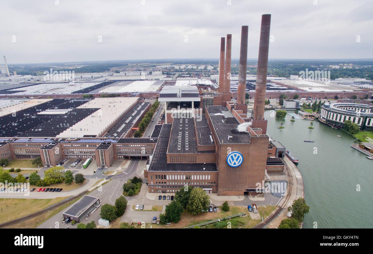 Una vista aérea de fecha 23 de agosto de 2016 muestra la fábrica de ...