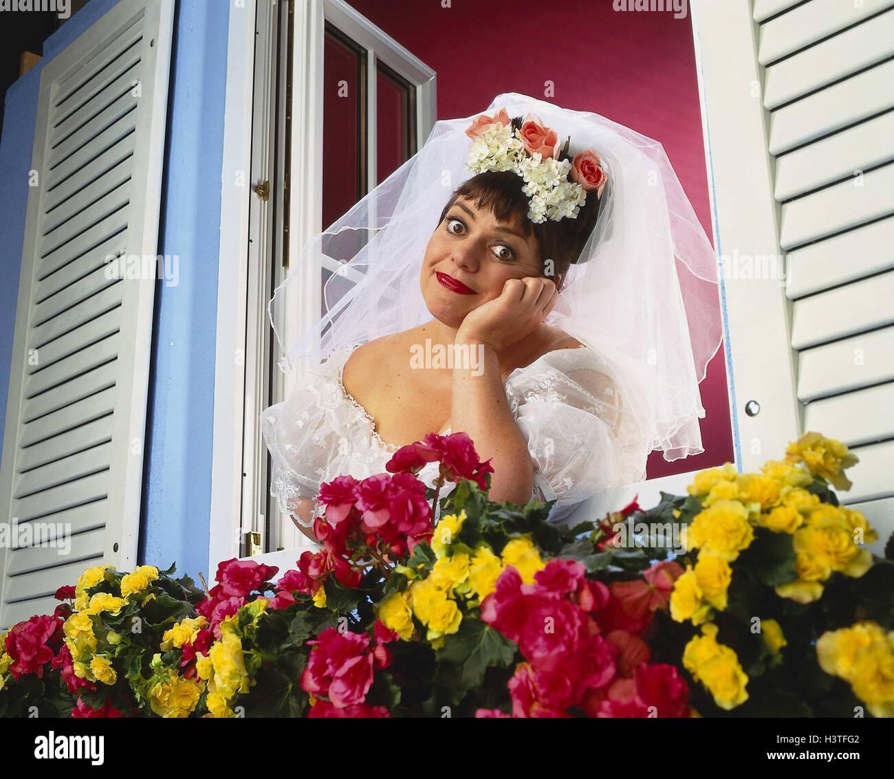 Sonar ver a mujer vestida de blanco