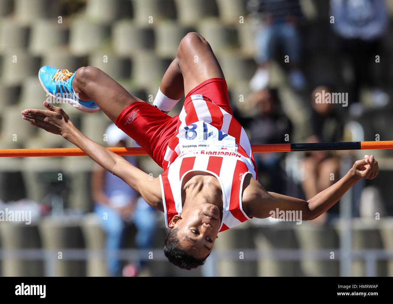 Pista y Campo de atletismo local reunión en Parow, Cape Town, Sudáfrica Imagen De Stock