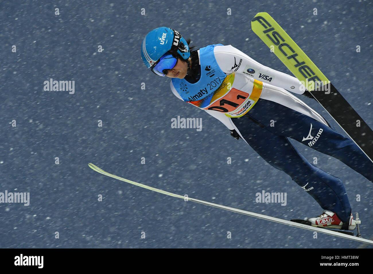 Sunkar internacional complejo de salto de esquí, Almaty, Kazajstán. 4 Feb, 2017. Jun Maruyama (JPN), 4 Imagen De Stock