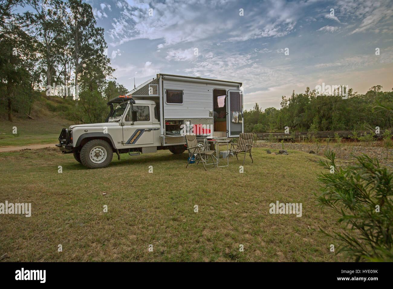 Hecho En Casa Land Rover Caravana Casa Movil En La Zona De