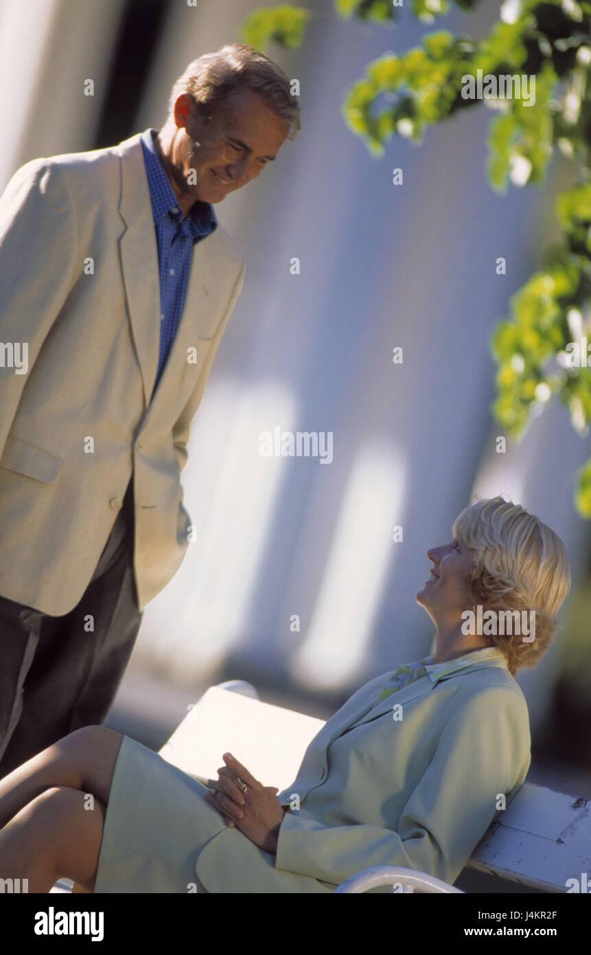 conocer hombres de 55 a 60 años