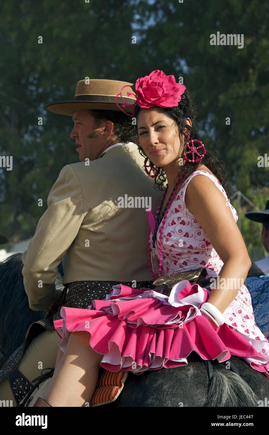 Vestidos Alamy Stock Y Foto amp; Caballo Un De Rocío Romería España Imagen El Fiesta La Hombre En Andalucía 146554824 Mujer THqxSgw8