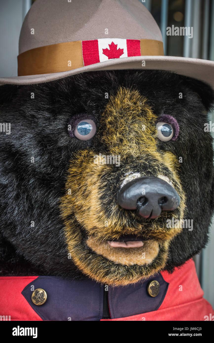 Tienda peluche Real Policía Montada canadiense Bear con sombrero ... e68fc4c88b9