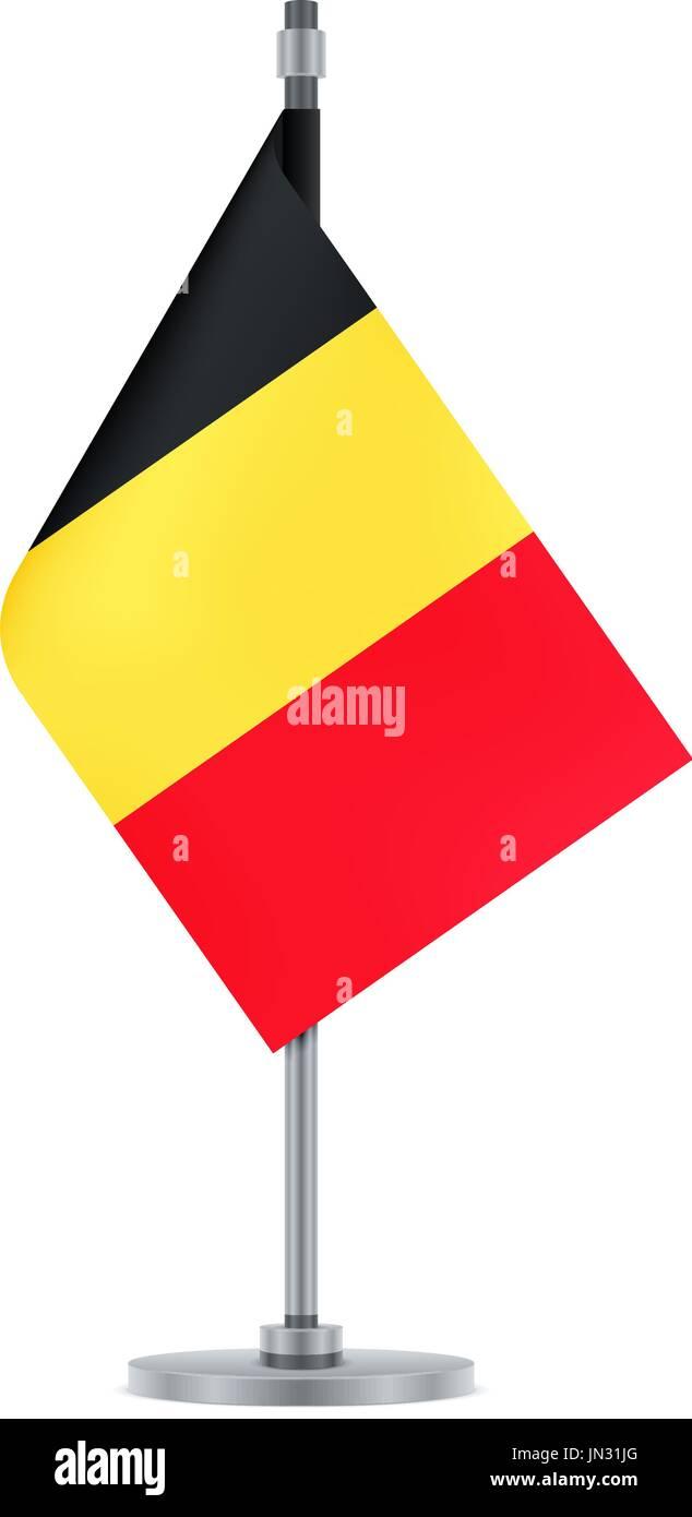 El diseño del pabellón. Bandera belga colgando en el poste metálico ...