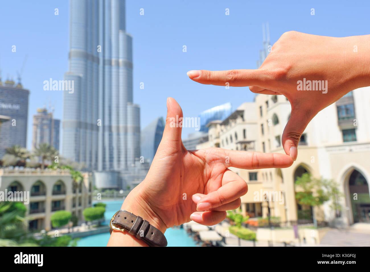 Dedo mano símbolos concepto encuadre composición para tomar una foto ...