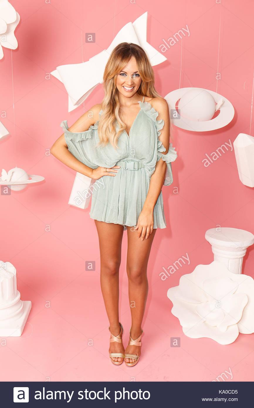 Encantador Vestirse Para Impresionar Partido Imagen - Ideas de ...