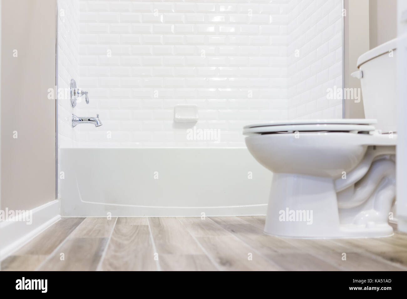 Con que limpiar azulejos bao cheap como limpiar el bao - Con que limpiar los azulejos de la cocina ...