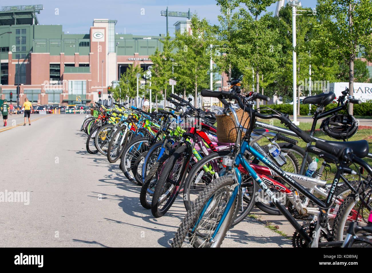 Green Bay, wi - Agosto 1, 2017: bicicletas alineadas cerca de ...
