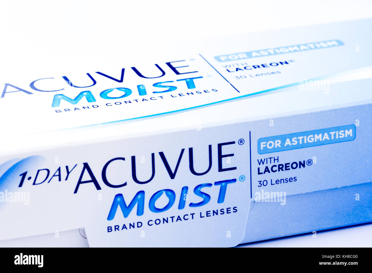 e03d6e8ed6c08 Cerca de una caja de 1-DAY ACUVUE MOIST lentes de contacto desechables  diarias para el astigmatismo, Reino Unido