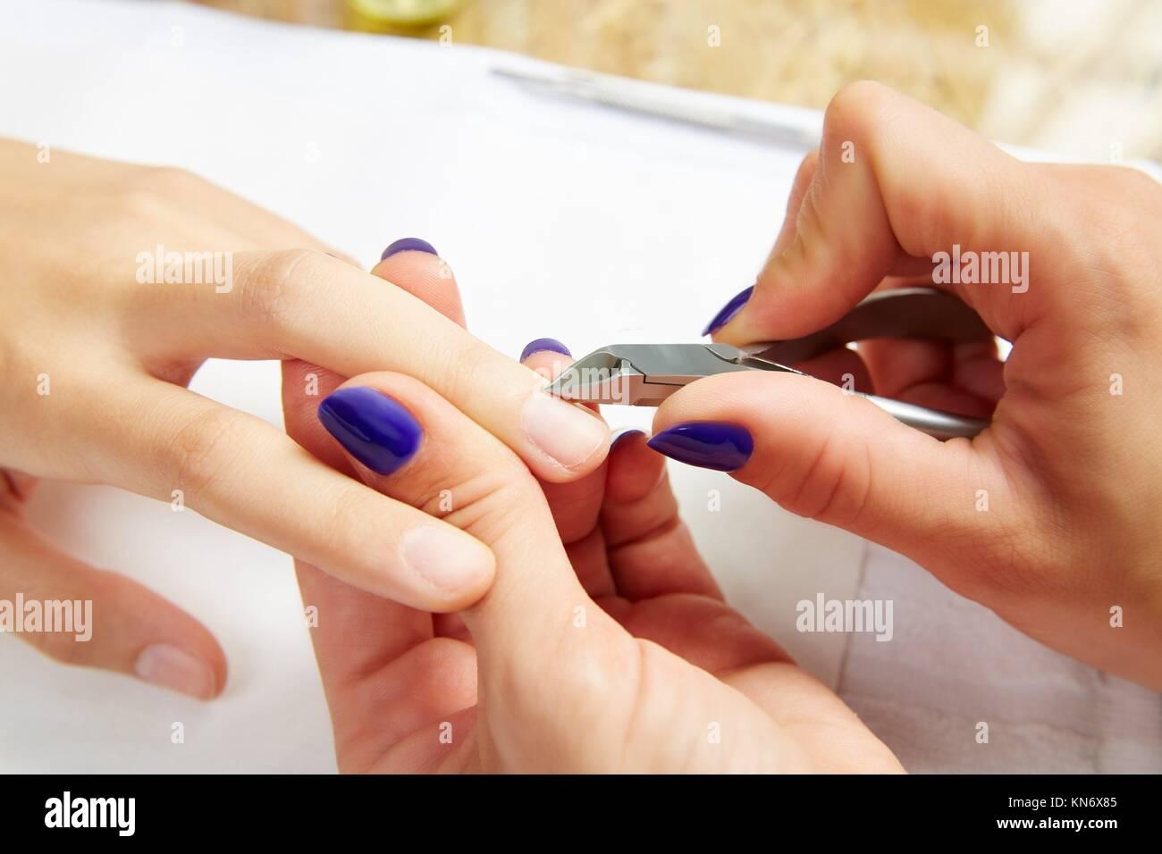Alicates para cutículas herramienta en uñas salon mujer manos ...