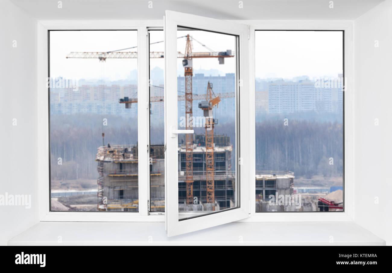 Construcción fuerte ruido de inmisión abrió un marco de ventana de ...