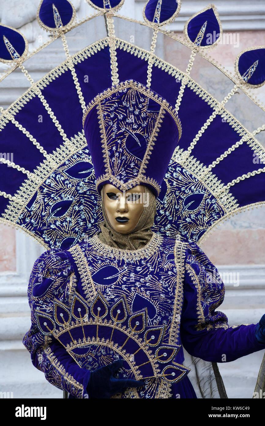 Lujo Vestidos De Dama De Oro Veneciano Bosquejo - Vestido de Novia ...