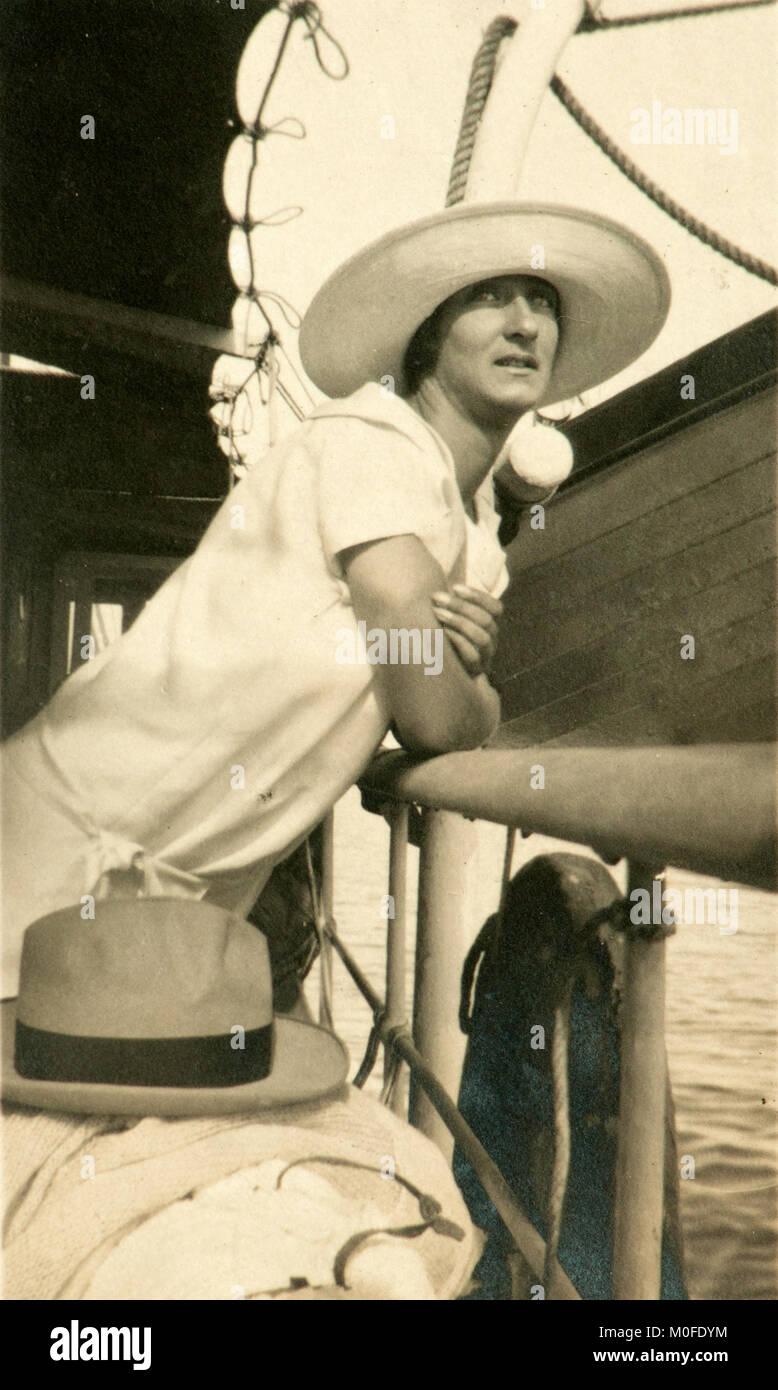 La dama con el sombrero. Turista italiano en 1927 (Grado 9bbe6bdf303