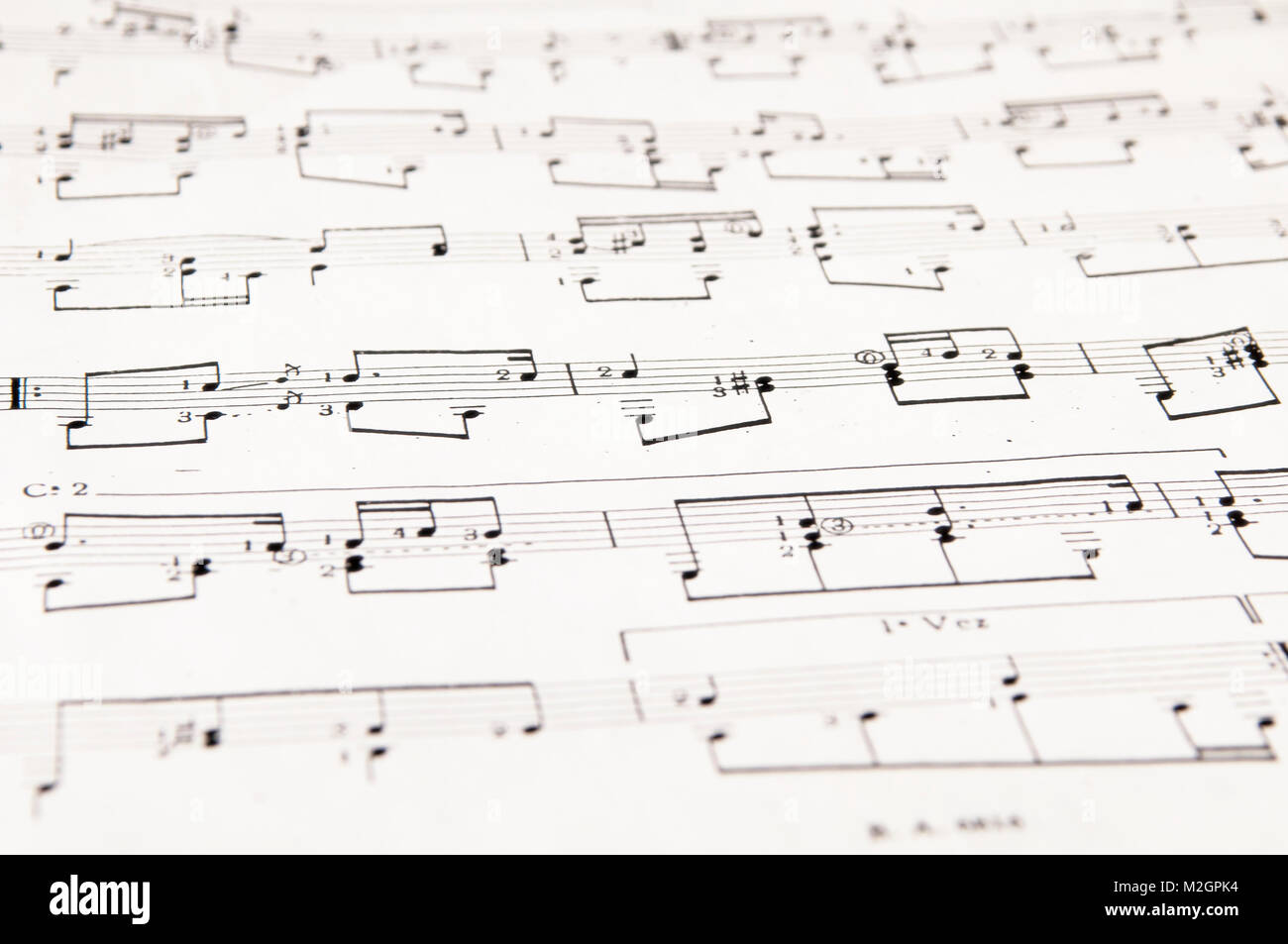 Pentagramas Musicales Con Cinco Líneas Horizontales Y Notas
