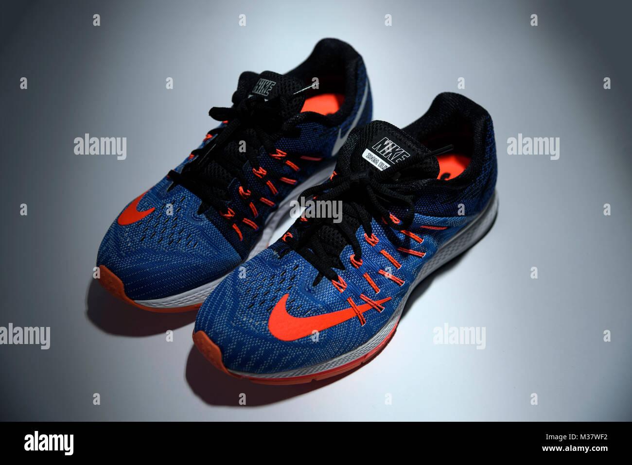 El Nike Zapatillas Aislado Recorte 8 Elite Azul Zoom Y Naranja aaPq4H